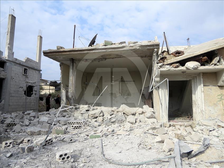 Esed'in İdlib'e hava saldırıları devam ediyor galerisi resim 1