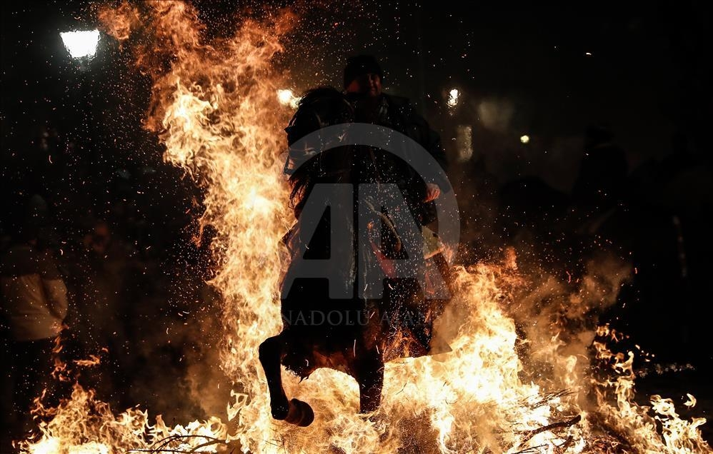 İspanya'da atlı günah çıkarma töreni galerisi resim 15