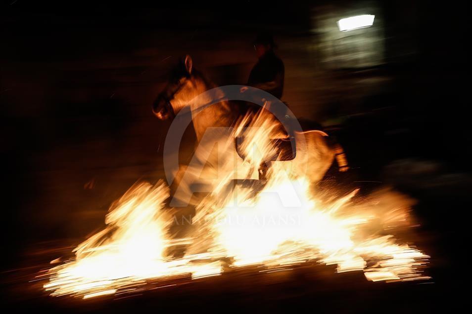 İspanya'da atlı günah çıkarma töreni galerisi resim 19