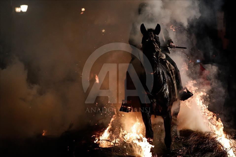 İspanya'da atlı günah çıkarma töreni galerisi resim 2