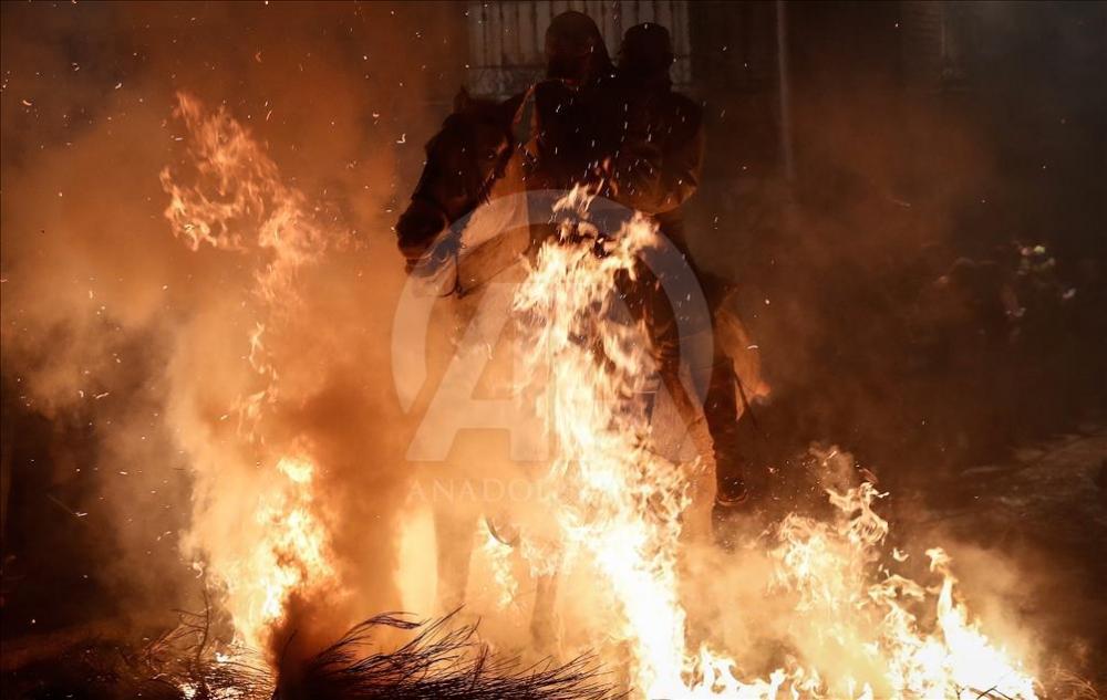 İspanya'da atlı günah çıkarma töreni galerisi resim 7