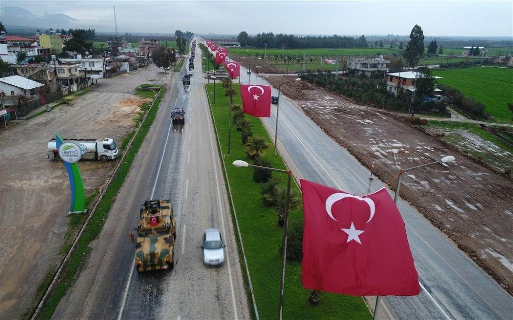 Çok sayıda zırhlı araç Afrin'e girmek için sınıra ulaştı galerisi resim 11