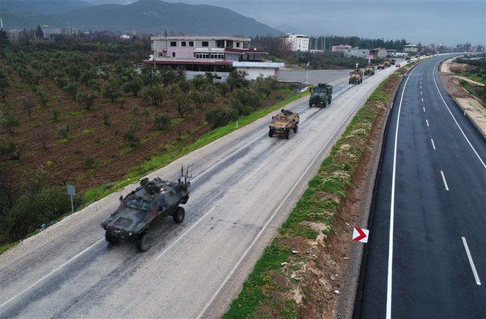 Çok sayıda zırhlı araç Afrin'e girmek için sınıra ulaştı galerisi resim 12