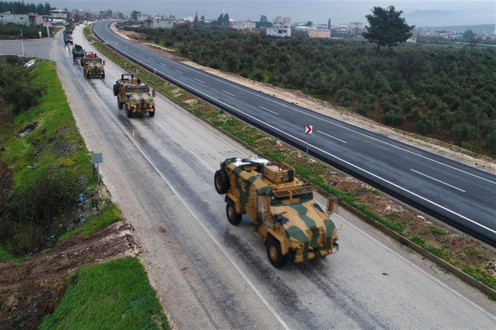 Çok sayıda zırhlı araç Afrin'e girmek için sınıra ulaştı galerisi resim 15