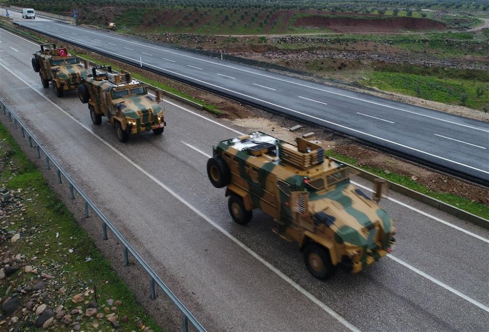 Çok sayıda zırhlı araç Afrin'e girmek için sınıra ulaştı galerisi resim 17