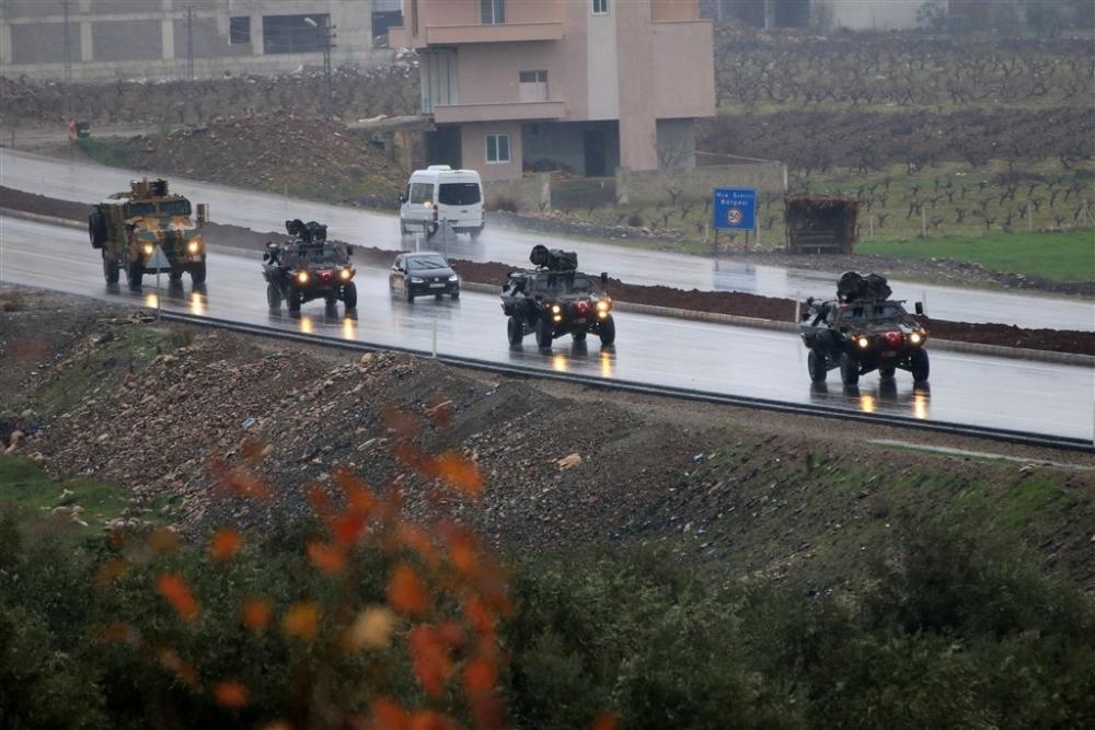 Çok sayıda zırhlı araç Afrin'e girmek için sınıra ulaştı galerisi resim 21