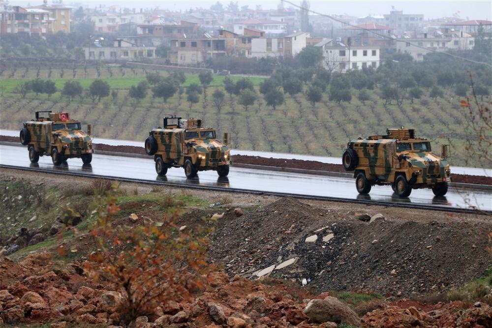 Çok sayıda zırhlı araç Afrin'e girmek için sınıra ulaştı galerisi resim 22