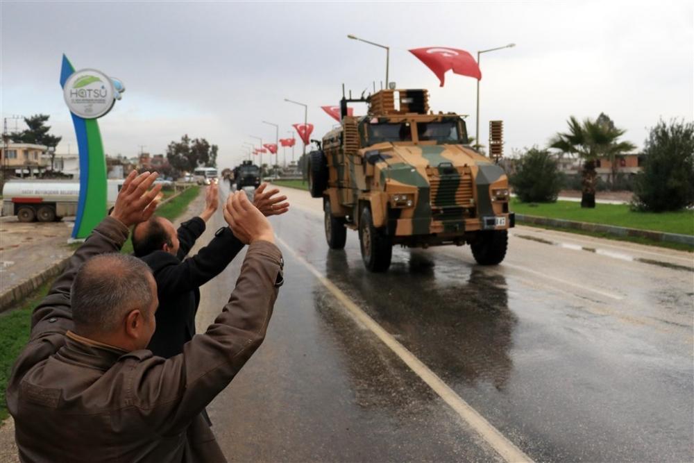 Çok sayıda zırhlı araç Afrin'e girmek için sınıra ulaştı galerisi resim 27