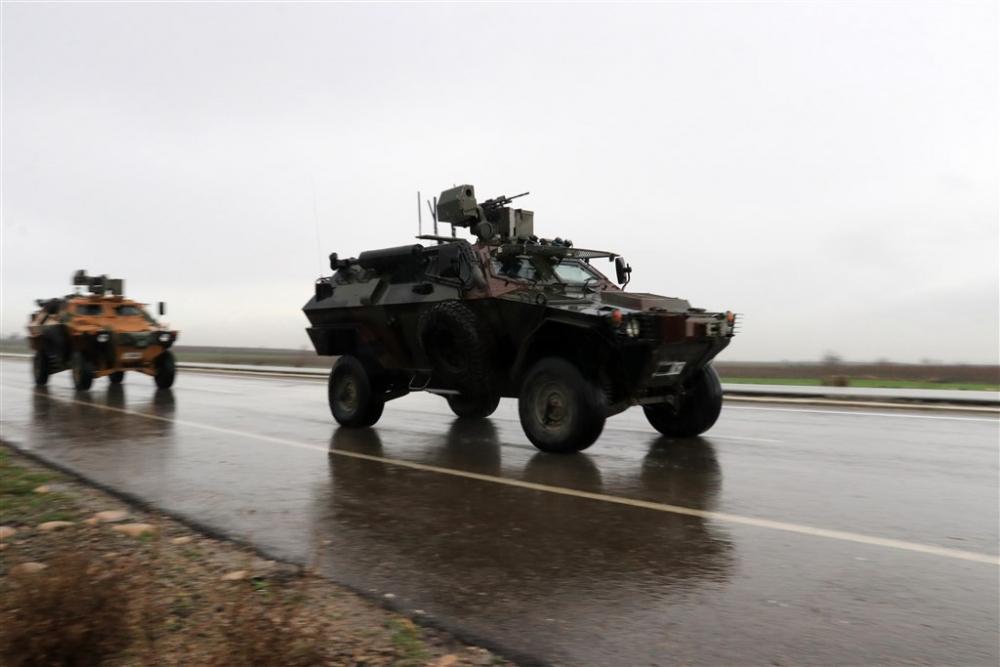 Çok sayıda zırhlı araç Afrin'e girmek için sınıra ulaştı galerisi resim 30