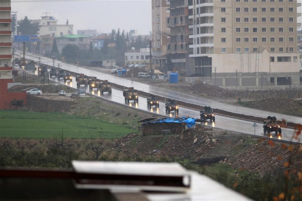 Çok sayıda zırhlı araç Afrin'e girmek için sınıra ulaştı galerisi resim 33