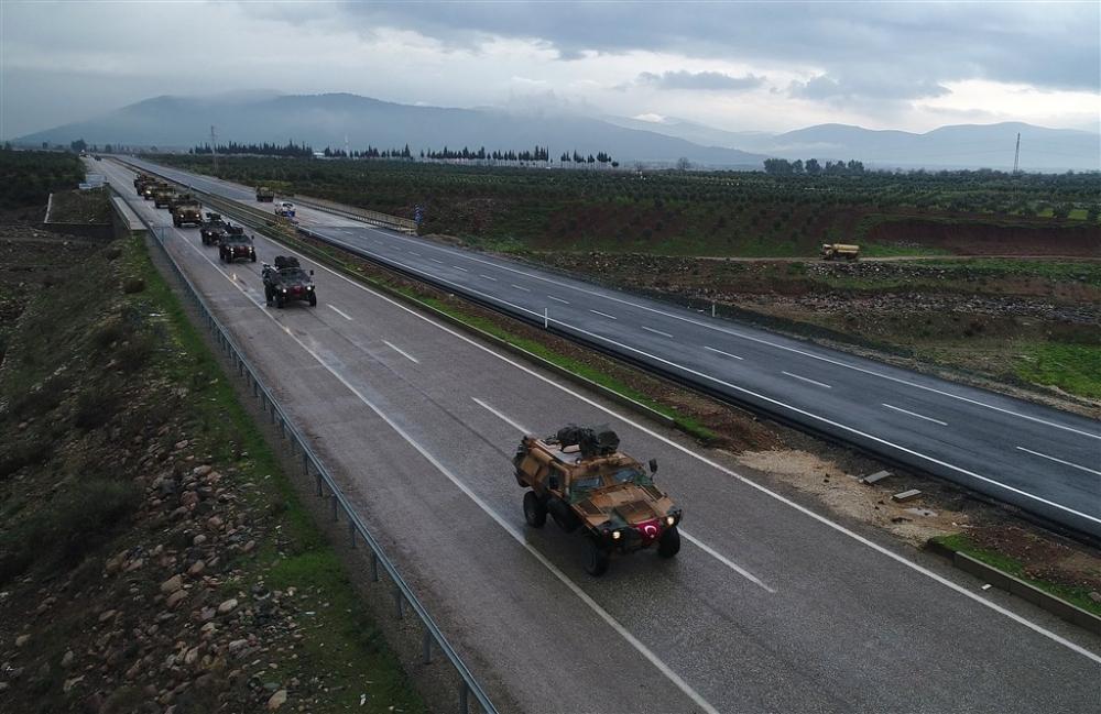 Çok sayıda zırhlı araç Afrin'e girmek için sınıra ulaştı galerisi resim 4