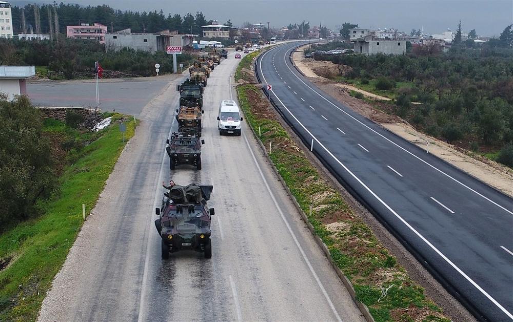 Çok sayıda zırhlı araç Afrin'e girmek için sınıra ulaştı galerisi resim 8