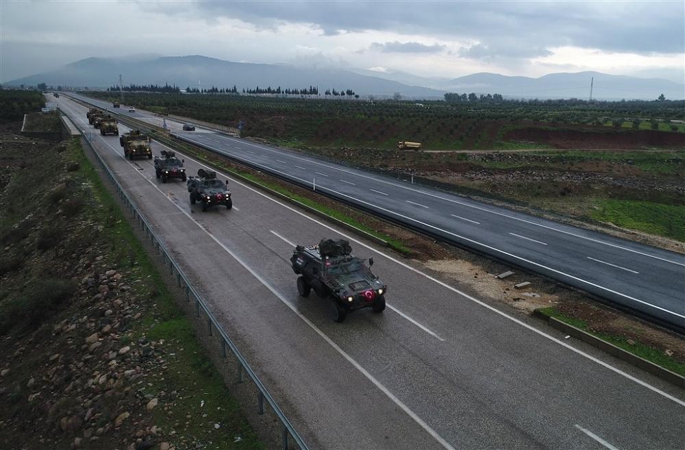 Çok sayıda zırhlı araç Afrin'e girmek için sınıra ulaştı galerisi resim 9