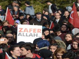 On binlerce Pursaklarlı Mehmetçiğe destek için yürüdü