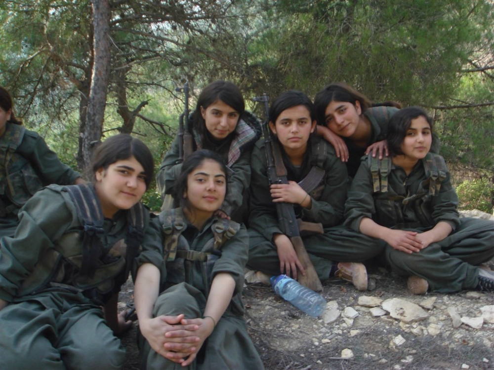 """Hafıza kartlarından YPG/PKK'nın """"çocuk savaşçıları"""" çıktı galerisi resim 1"""