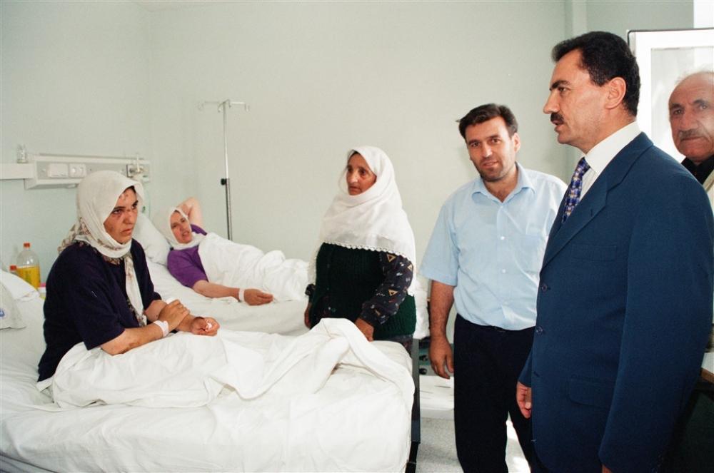 Büyük dava adamı Muhsin Yazıcıoğlu vefatının 10.Yılı! galerisi resim 11