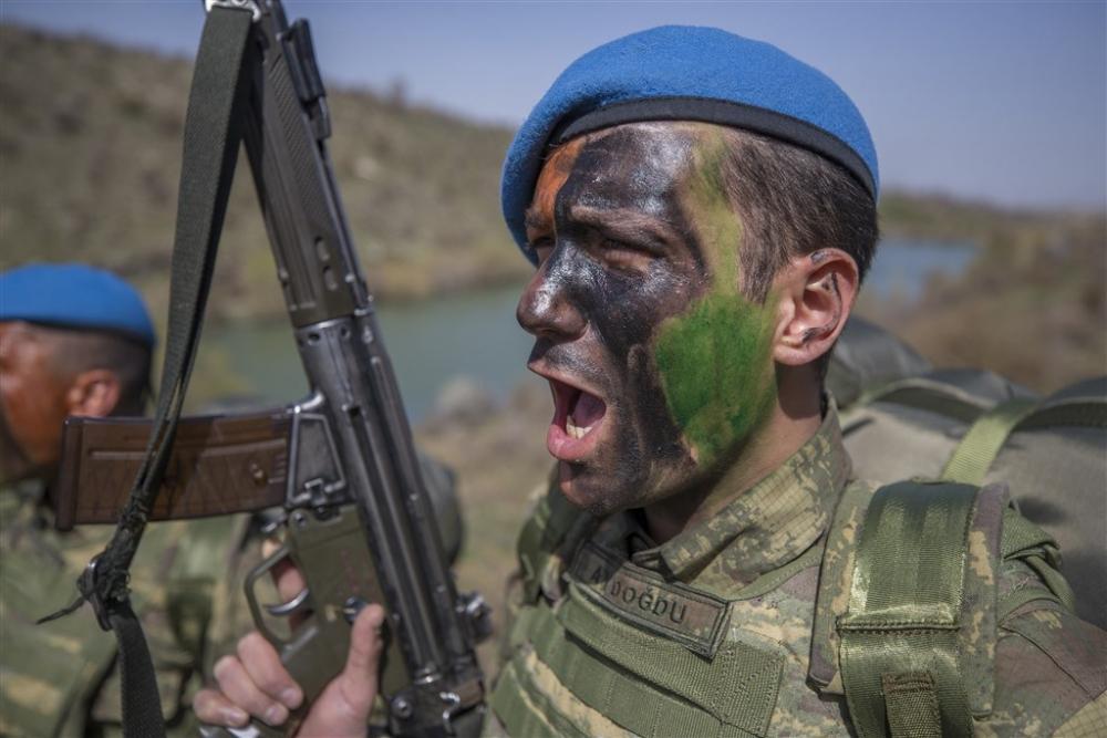 """Kayseri 1. Komando Tugayı """"Güçlüler, cesurlar, hazırlar"""" galerisi resim 1"""