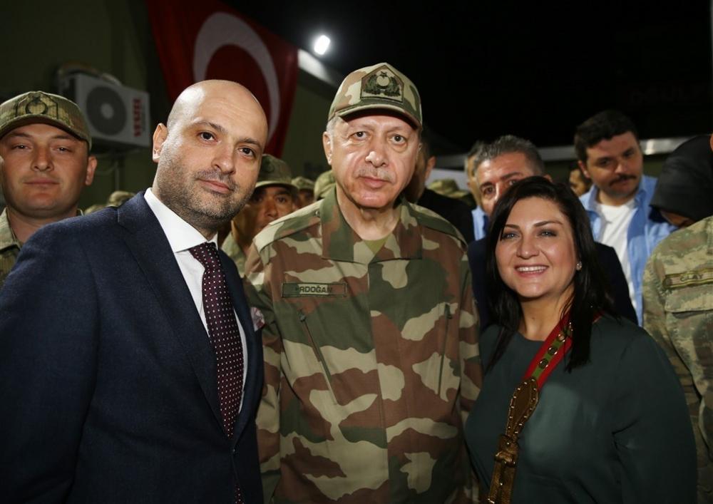 Erdoğan ve ünlü isimler sınırda askere moral verdi galerisi resim 13