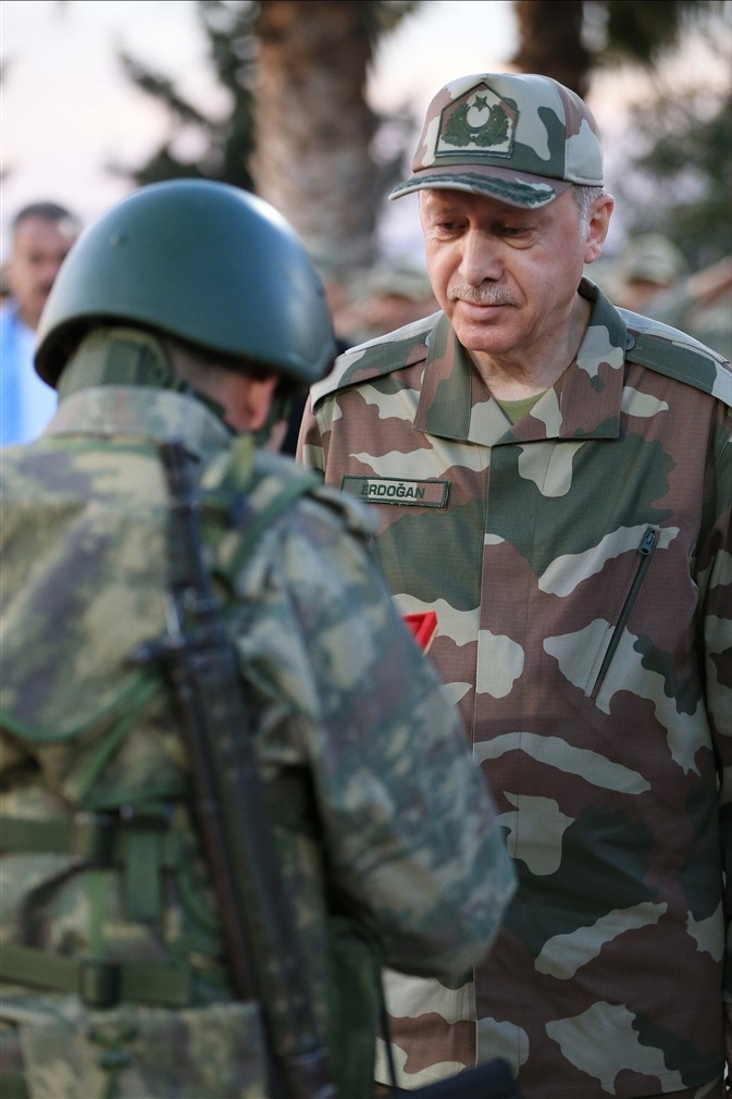 Erdoğan ve ünlü isimler sınırda askere moral verdi galerisi resim 32
