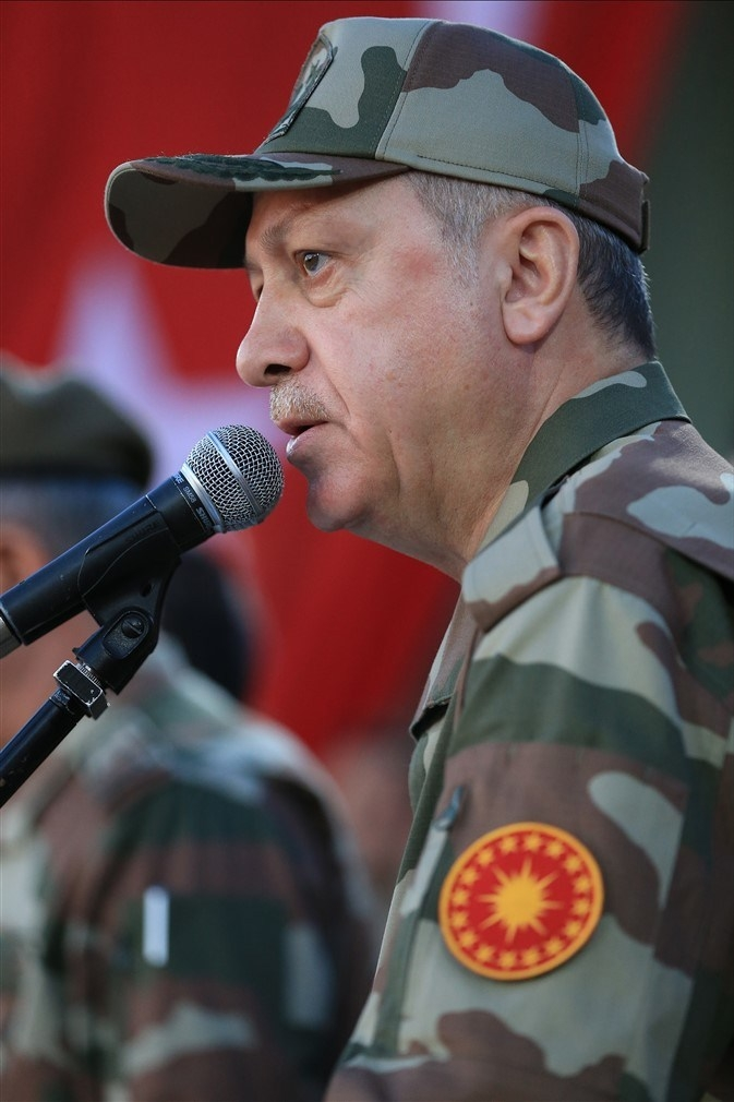 Erdoğan ve ünlü isimler sınırda askere moral verdi galerisi resim 36