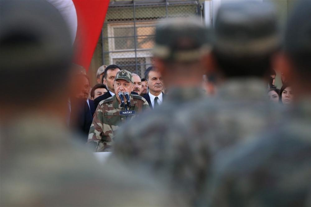 Erdoğan ve ünlü isimler sınırda askere moral verdi galerisi resim 38