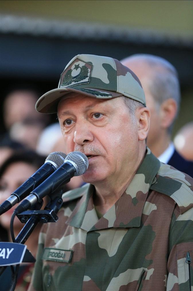 Erdoğan ve ünlü isimler sınırda askere moral verdi galerisi resim 39