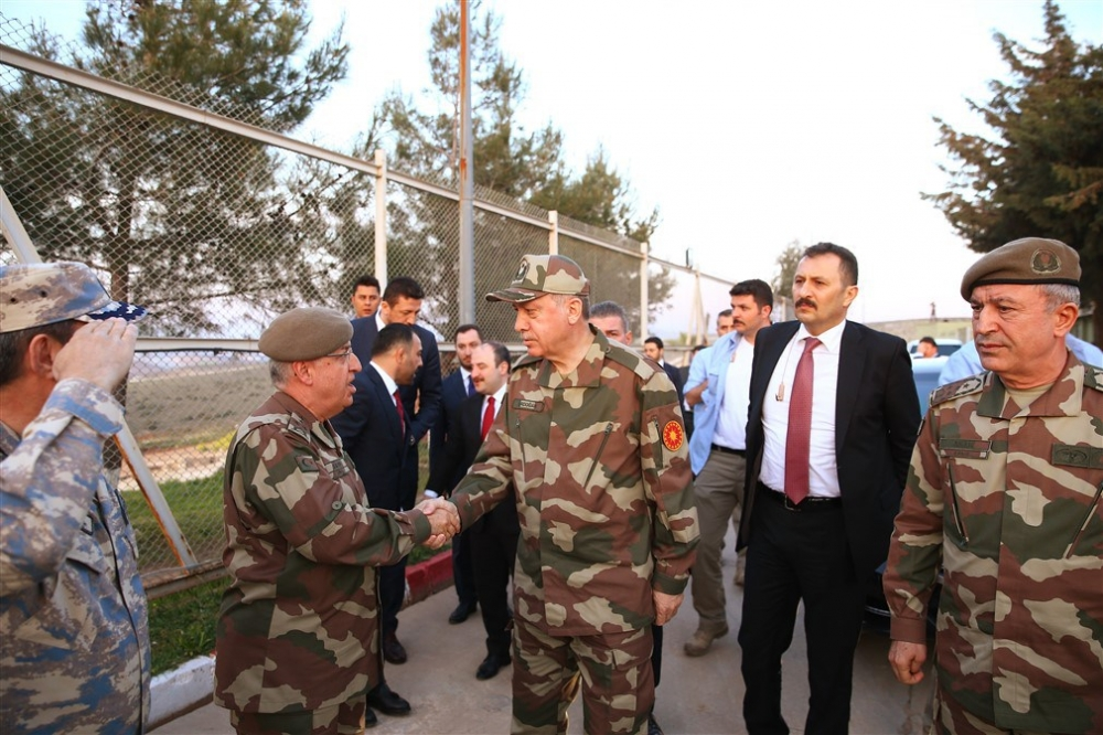Erdoğan ve ünlü isimler sınırda askere moral verdi galerisi resim 45