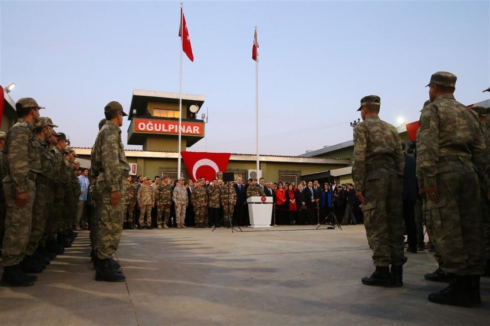 Erdoğan ve ünlü isimler sınırda askere moral verdi galerisi resim 60