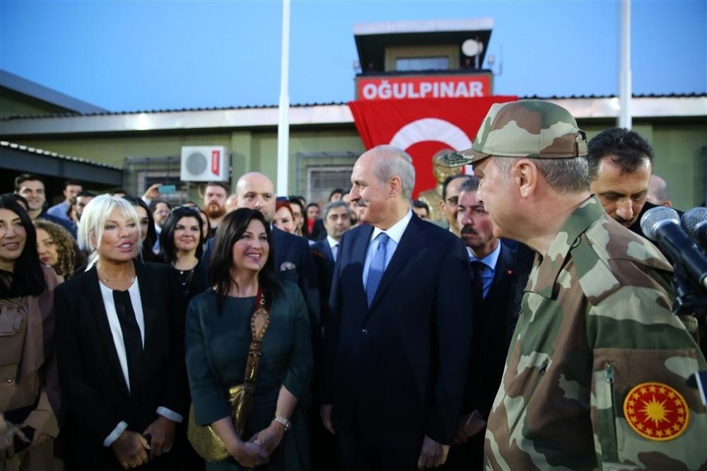 Erdoğan ve ünlü isimler sınırda askere moral verdi galerisi resim 61