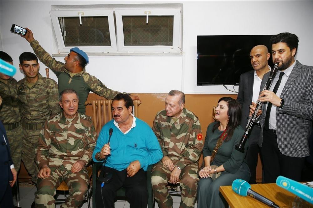 Erdoğan ve ünlü isimler sınırda askere moral verdi galerisi resim 81