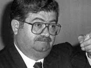 Unutulmaz bir lider  Turgut Özal Kimdir