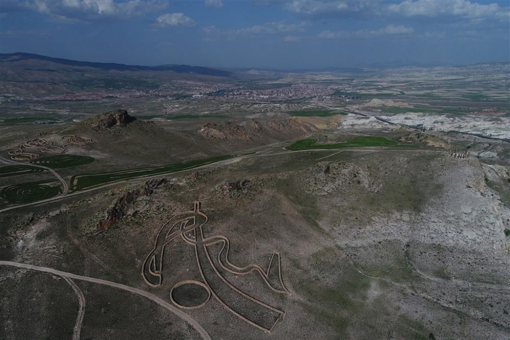 """Kapadokya'nın """"uzaydan görülen"""" heykelleri galerisi resim 18"""