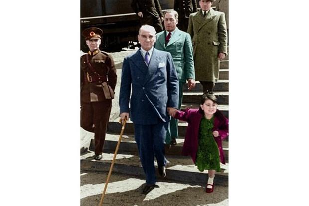Atatürk'ün çocuk sevgisi galerisi resim 10