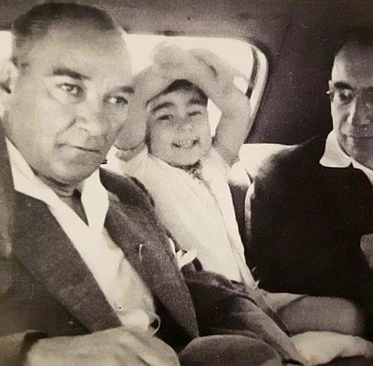 Atatürk'ün çocuk sevgisi galerisi resim 20