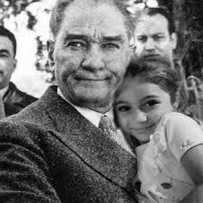 Atatürk'ün çocuk sevgisi galerisi resim 7