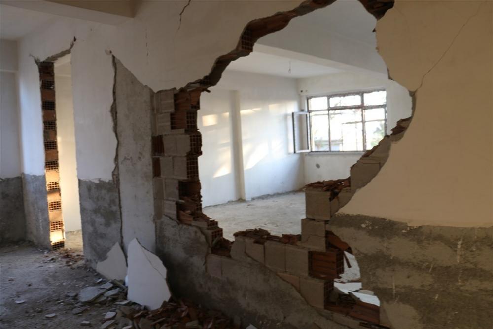 Adıyaman'da 5,1 büyüklüğünde deprem galerisi resim 26