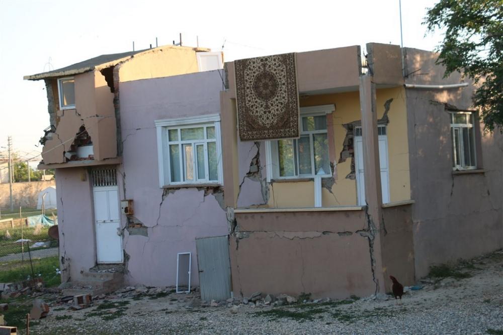 Adıyaman'da 5,1 büyüklüğünde deprem galerisi resim 31