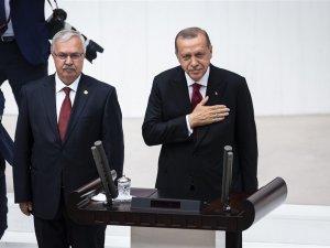 Cumhurbaşkanı Erdoğan Meclis'te yemin etti
