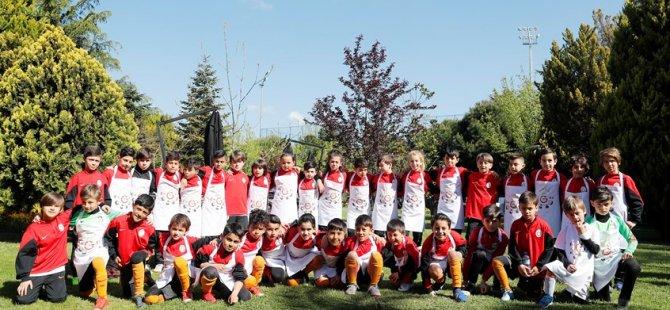 Galatasaray'dan çocuklara sürpriz