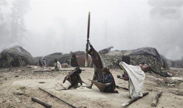 Raute dünyanın en ilkel kabilesi: Kabilede biri öldüğü zaman... galerisi resim 14