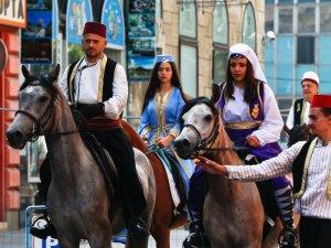 Ayvaz Dede Şenlikleri'ne katılacak atlılar yola çıktı