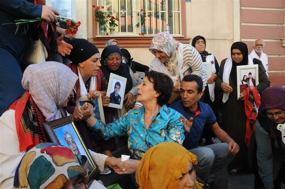 Sanatçılardan Diyarbakır annelerine destek galerisi resim 12