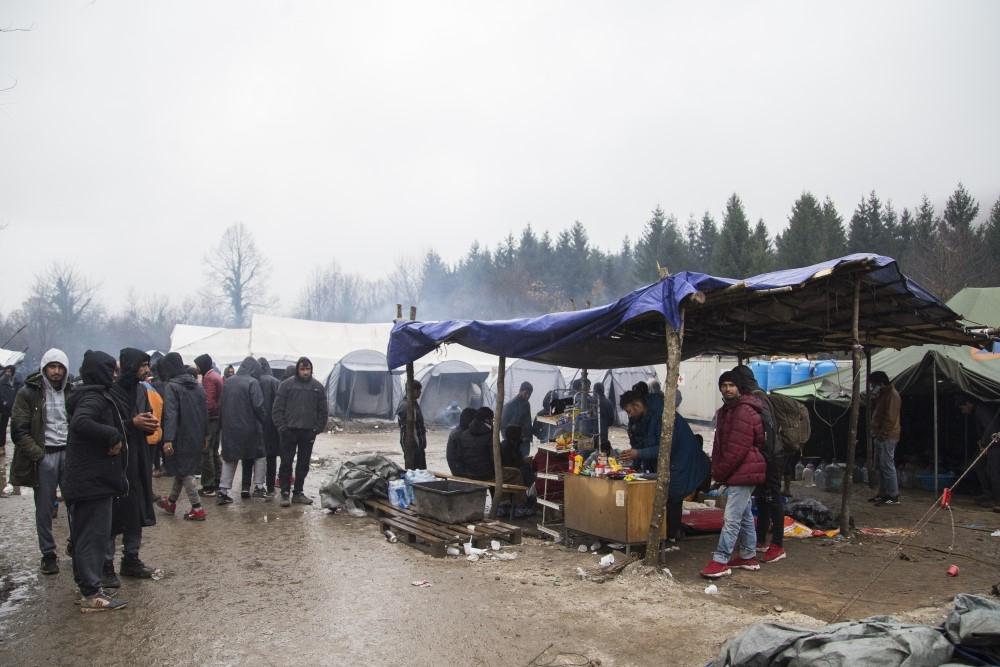 Bosna Hersek'teki düzensiz göçmenlerin yaşam mücadelesi galerisi resim 1