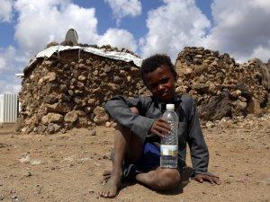 Yemen'de yerinden edilen sivillerin yaşam mücadelesi