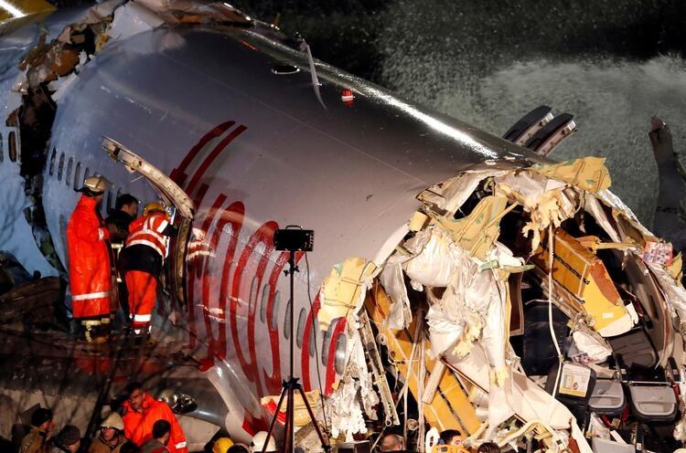 Sabiha Gökçen Havalimanı'nda uçak pistten çıktı galerisi resim 1