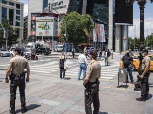 Başkent'te maske takmanın zorunlu olduğu ilk gün...
