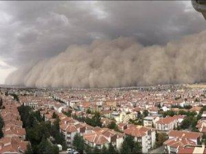 Ankara'da kum fırtınası