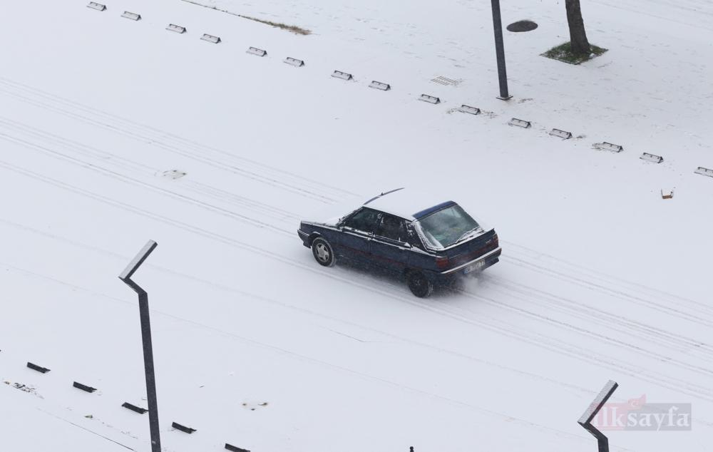 Başkentte kar yağışı etkili oldu galerisi resim 1