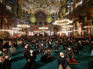 İstanbul'da Regaip Kandili idrak edildi