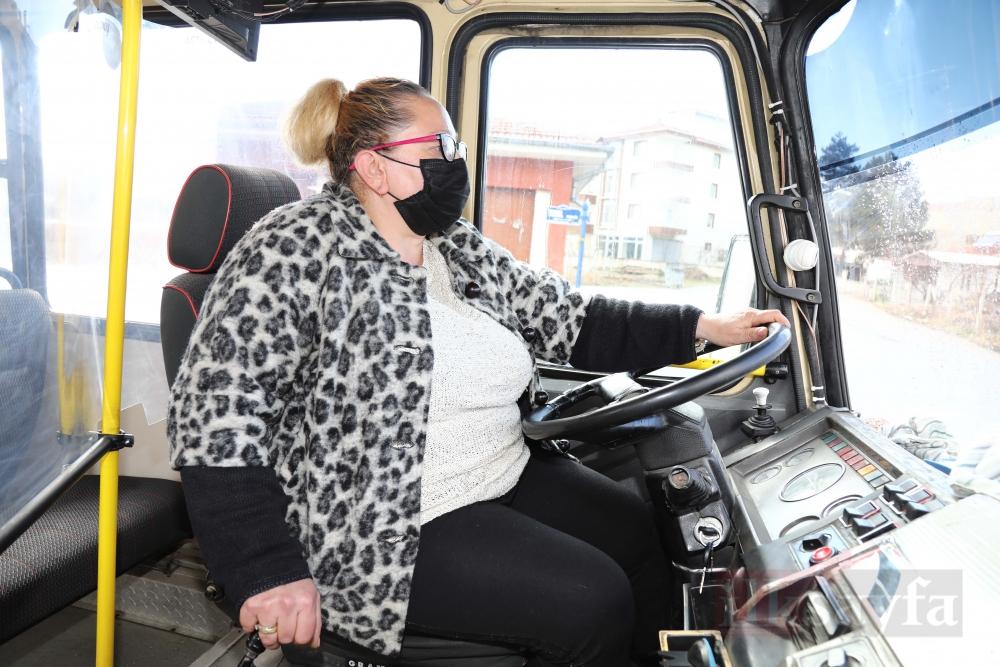 Ankara'nın tek kadın dolmuş şoförü galerisi resim 1